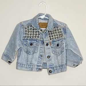 LEVI'S vintage jean jacket w hardware detail